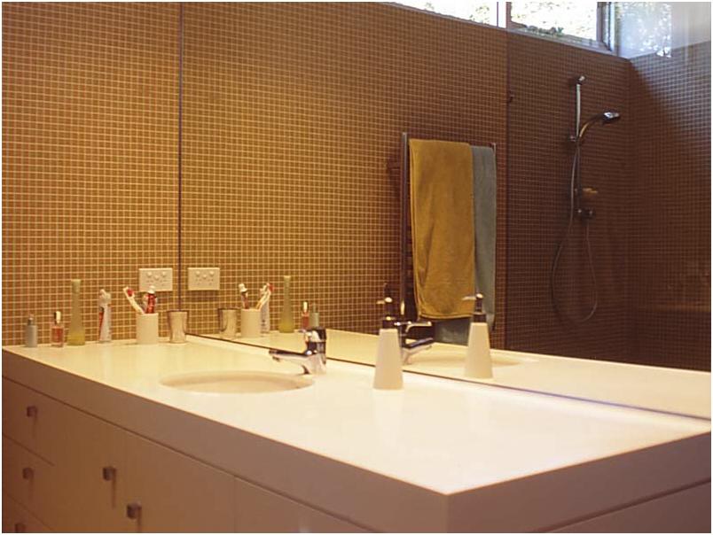 fullagarparentsbathroom2lge