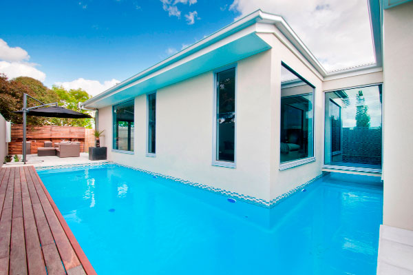 award-winning-swimming-pool-wendouree
