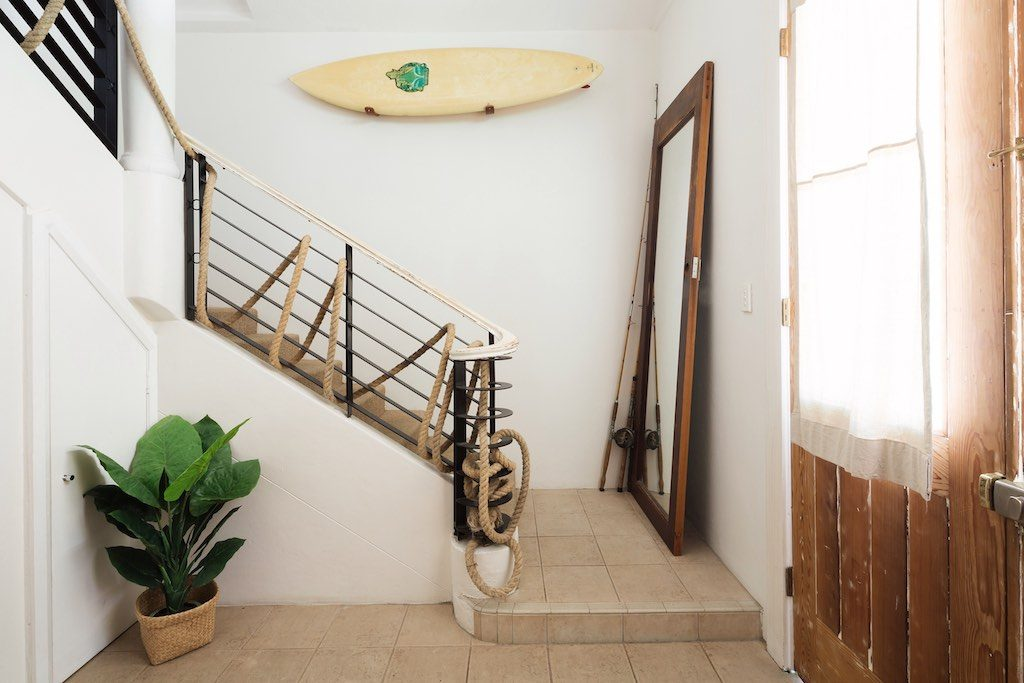 Rockstar-Villa-interior-entrance