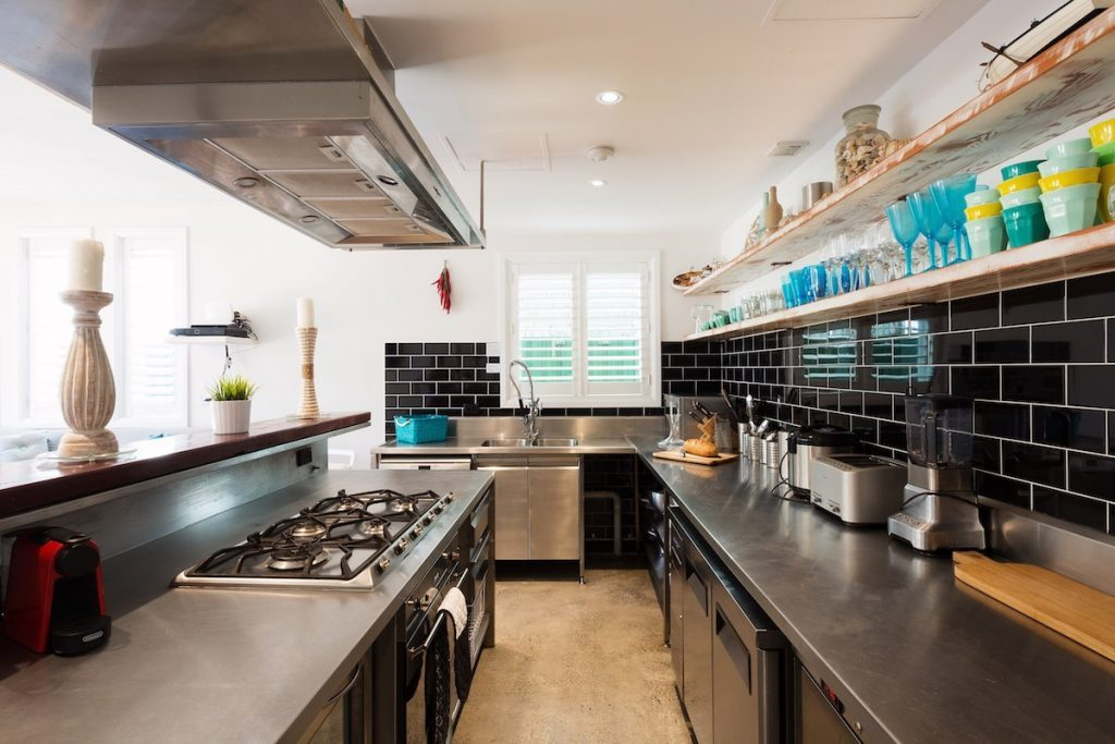 Rockstar-Villa-interior-kitchen-2-1024x683