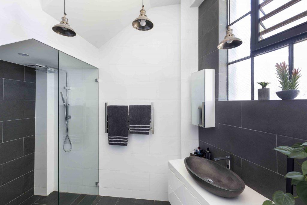 Studio bathroom copy