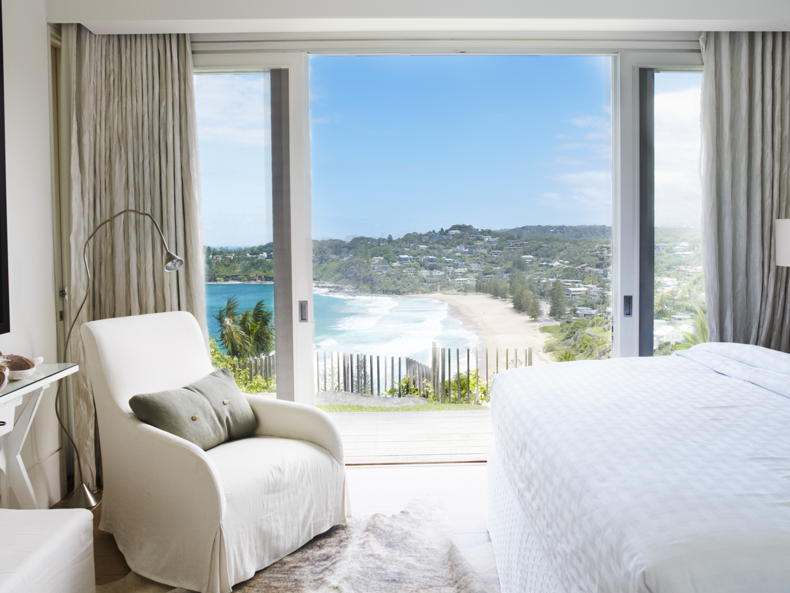 Whale Beach Accommodation 2