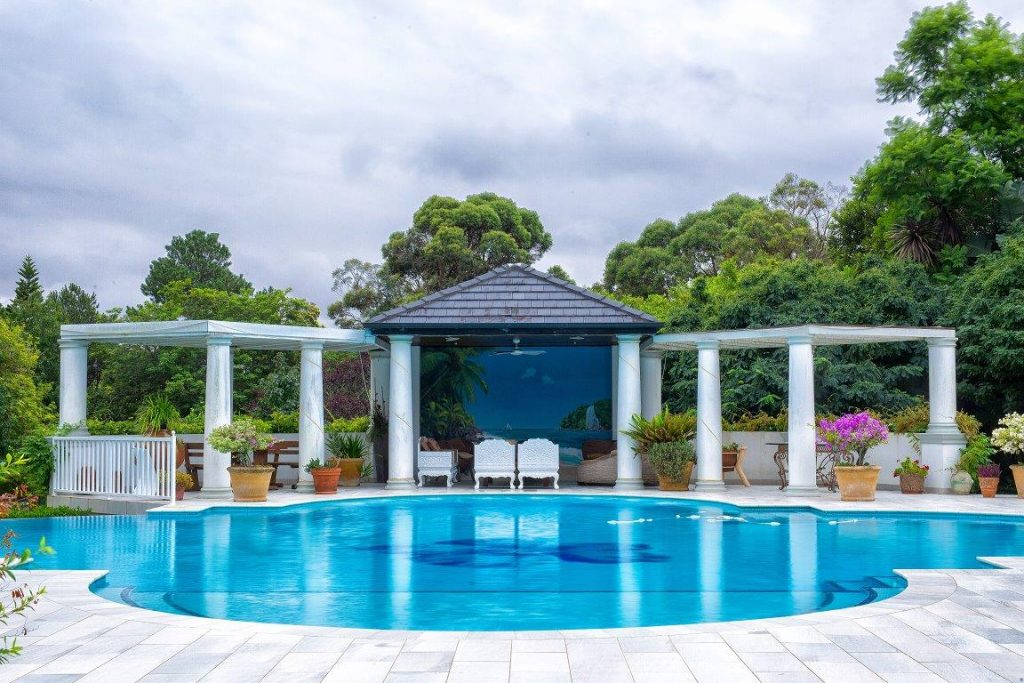 Longuevue Outdoor Pool and Entertainment