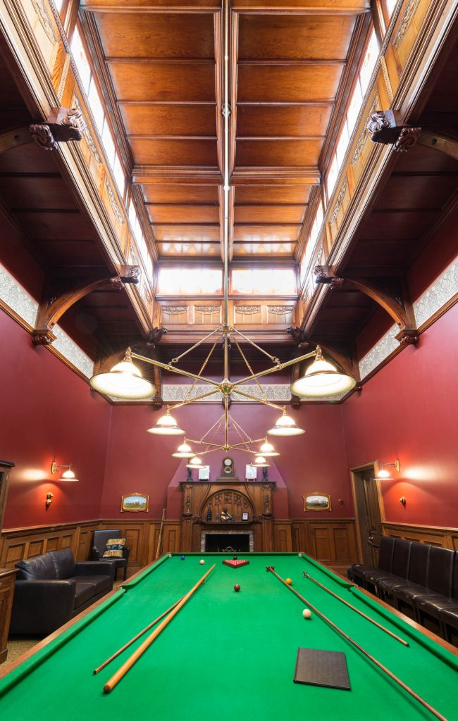 Coragulac House Billard Room4