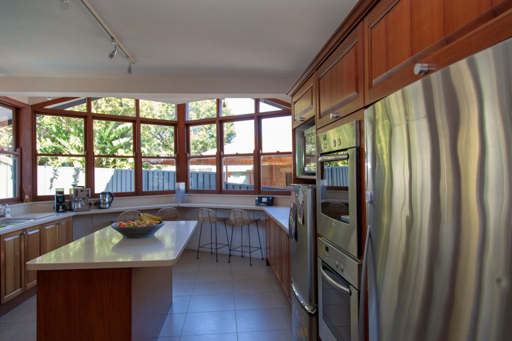 Behrens House - 72 Vista Pde Sans Souci NSW-4